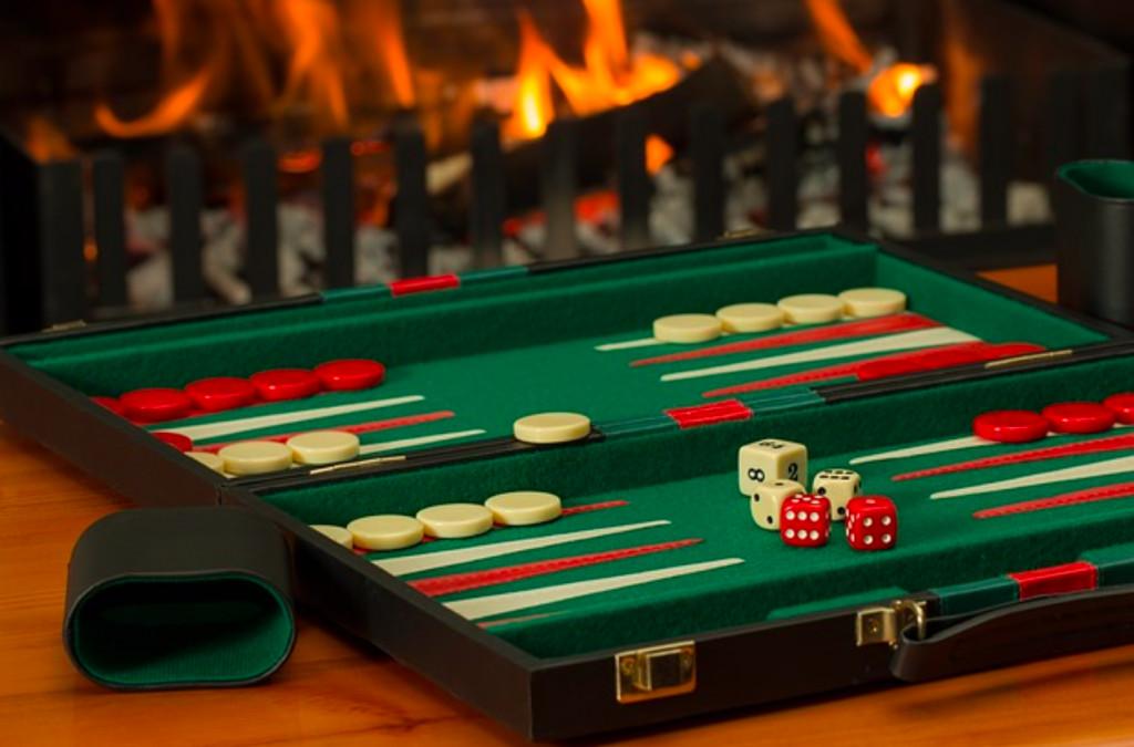 4 julegaveideer til ham der elsker backgammon